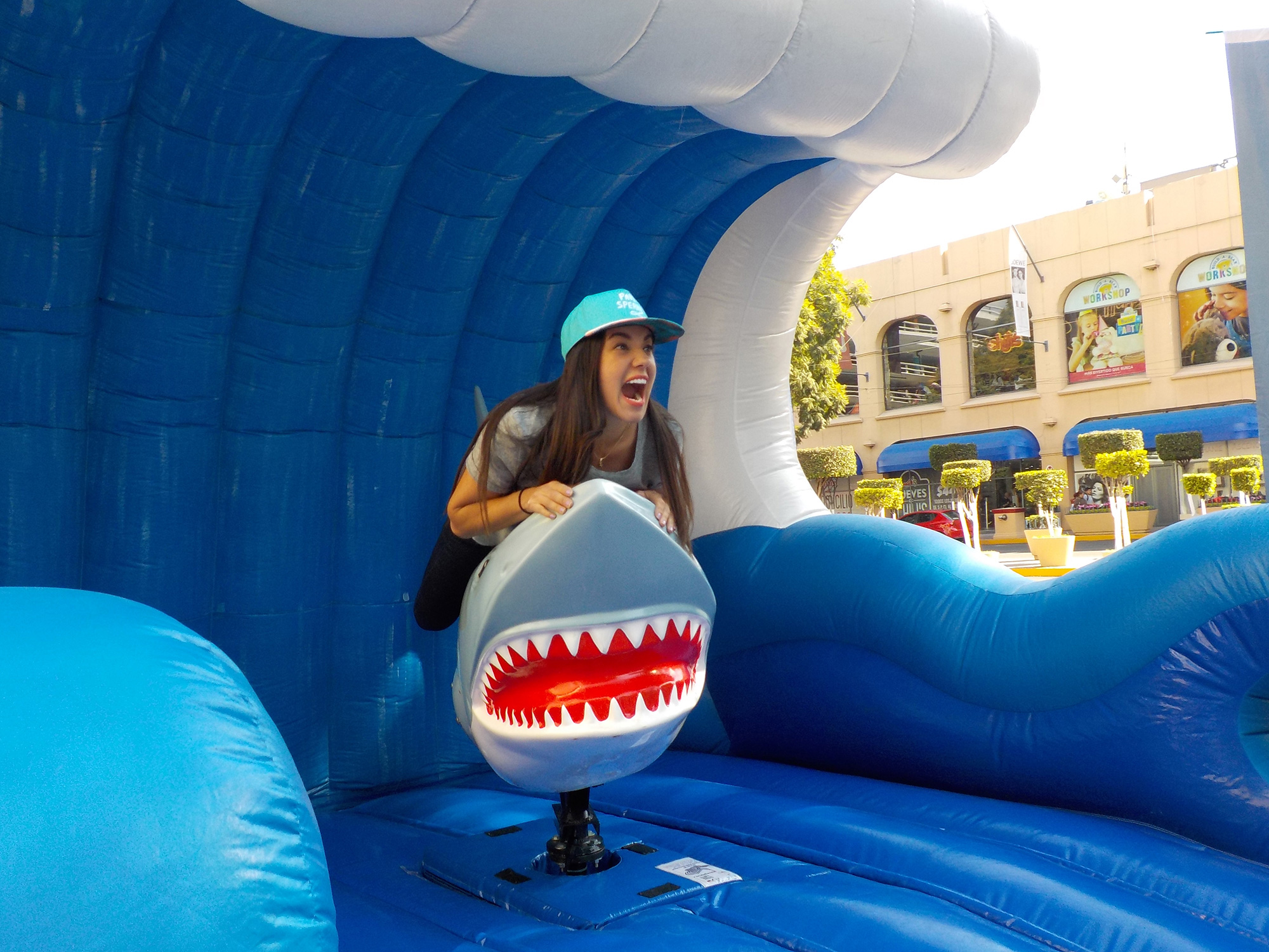 Sperrys: Road Show Sharkie Shark